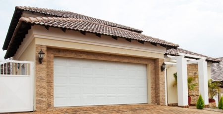 Southwest Home with White Large Garage