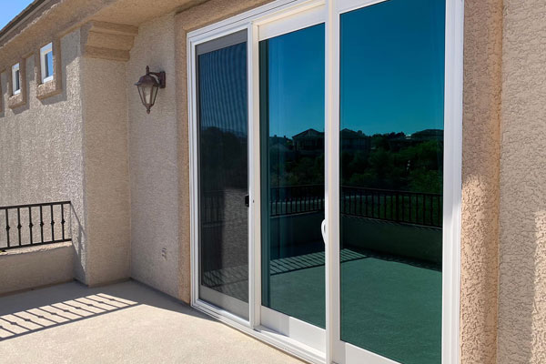 https://www.universalwindowsphoenix.com/Patio%20Doors